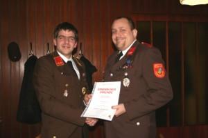 Die Ernennung von Nikolaus Lipp zum Ausbilder in der Feuerwehr